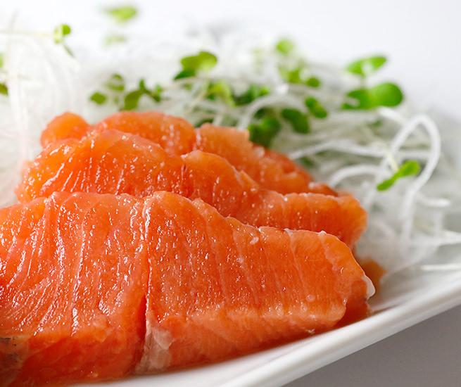 鮭類に分類される高級魚サクラマス。